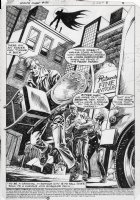 DELBO, JOSE - World's Finest #321 pg 1, splash page. Batman witness a group of burglars making off with loot! Comic Art